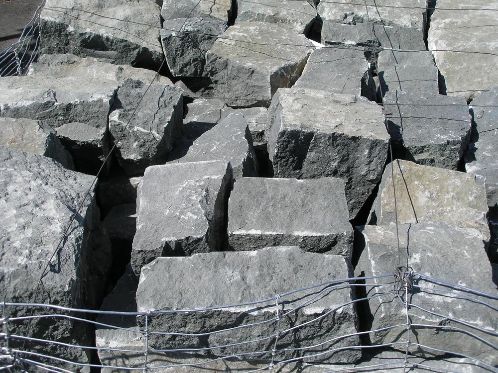 What Are Basalt Stones : Oregon black basalt building stone